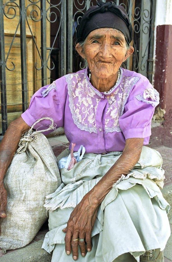 Portrait de femme très vieille, froissée, de Nicaragua photo stock