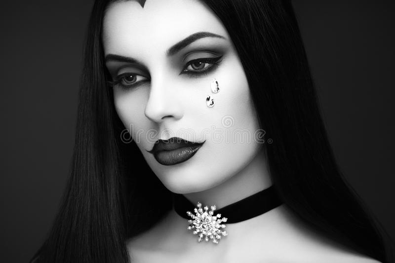 Portrait de femme de vampire de Halloween photographie stock