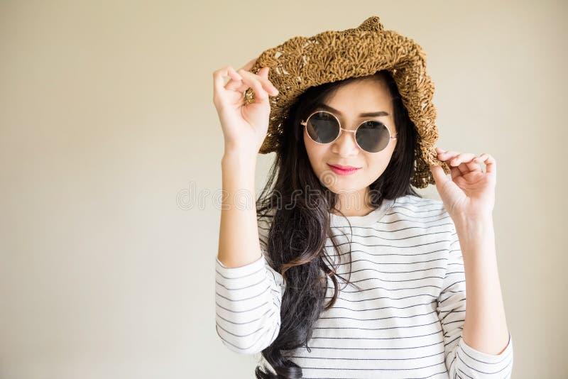 Portrait de fille de beauté de mode de hippie photo stock
