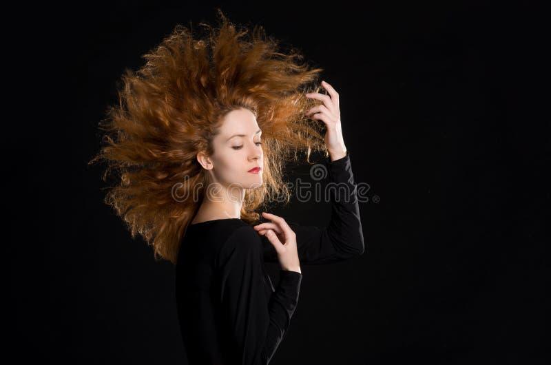 Portrait de fille rousse image stock
