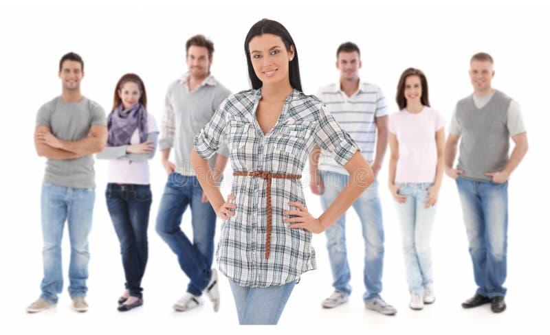 Portrait de groupe des jeunes heureux photo libre de droits