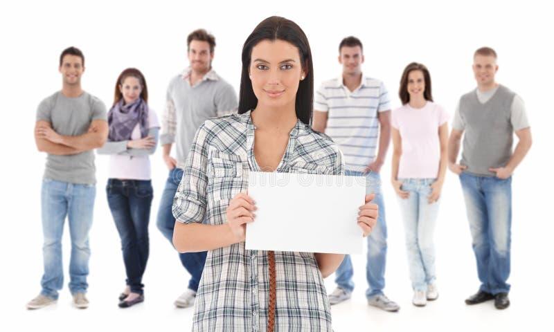 Portrait de groupe des jeunes heureux images libres de droits