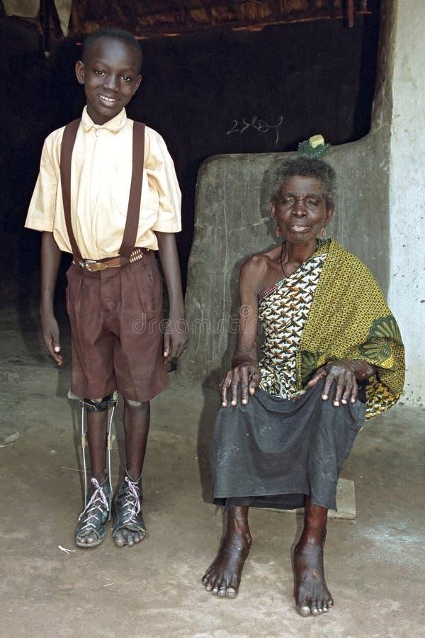Portrait de groupe de grand-maman et de petit-enfant ghanéens photos stock