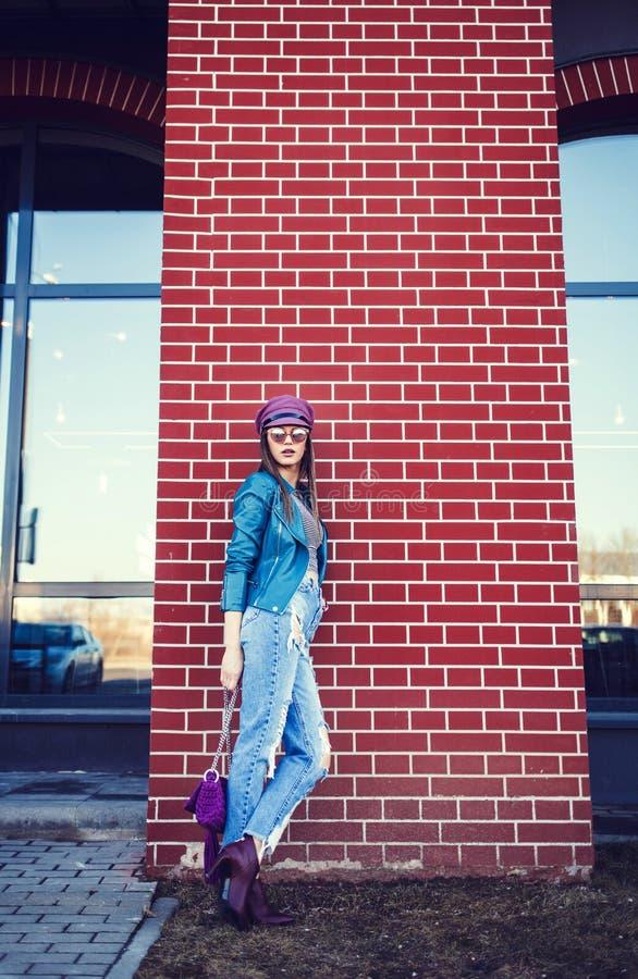 Portrait de jeune beau modèle femelle photos stock