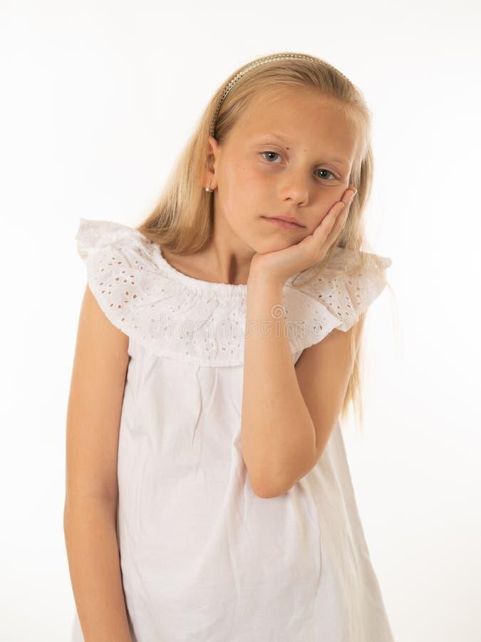 Portrait de jeune belle fille ennuyée, triste, déprimée Émotions et expression du visage humaines image stock