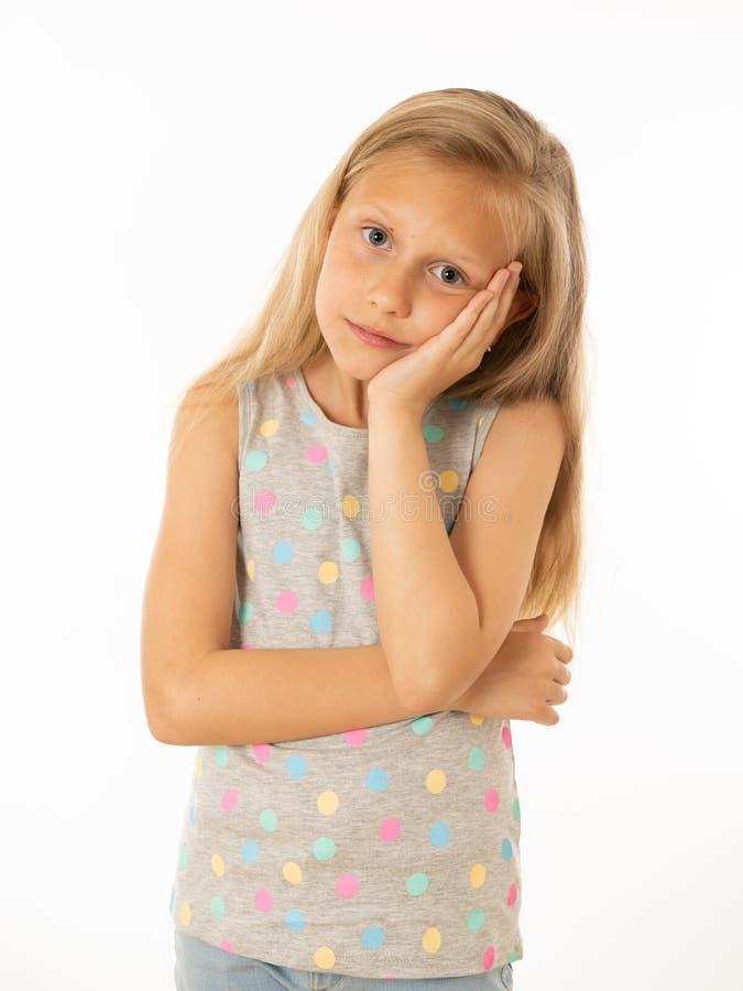 Portrait de jeune belle fille ennuyée, triste, déprimée Émotions et expression du visage humaines photos libres de droits