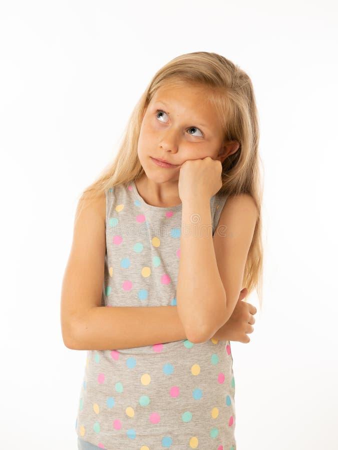 Portrait de jeune belle fille ennuyée, triste, déprimée Émotions et expression du visage humaines photographie stock