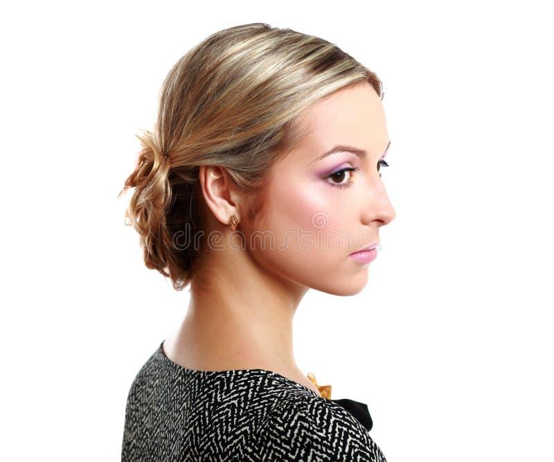 Portrait de jeune femme avec élégant créatif photographie stock