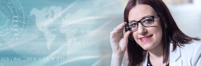 Portrait de jeune femme d'affaires ; bannière panoramique photo stock