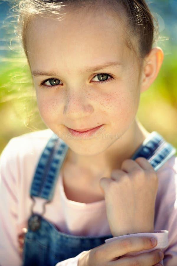 Portrait de jeune fille images stock