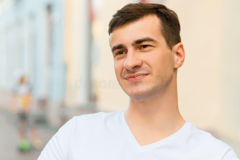 Portrait de jeune homme photos stock