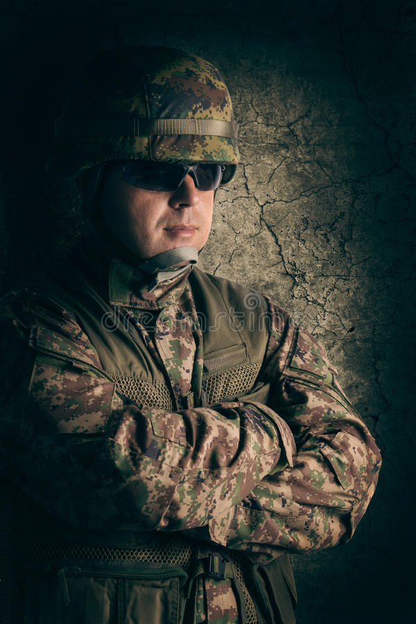 Portrait de jeune soldat photographie stock libre de droits