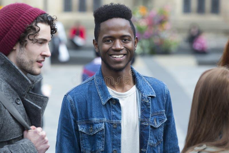Portrait de l'adolescent masculin image stock