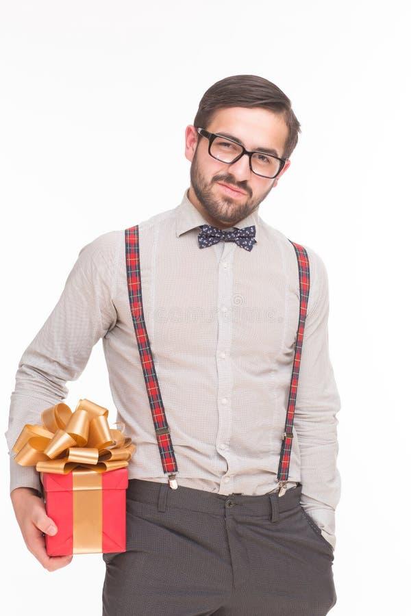 Portrait de l'homme avec la nouvelle année ou le cadeau de Noël ou le cadeau photos stock
