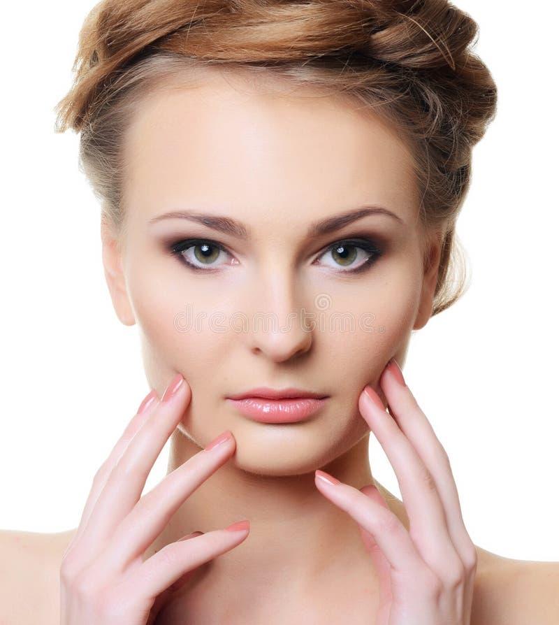 Portrait de la belle femme avec un maquillage professionnel images stock