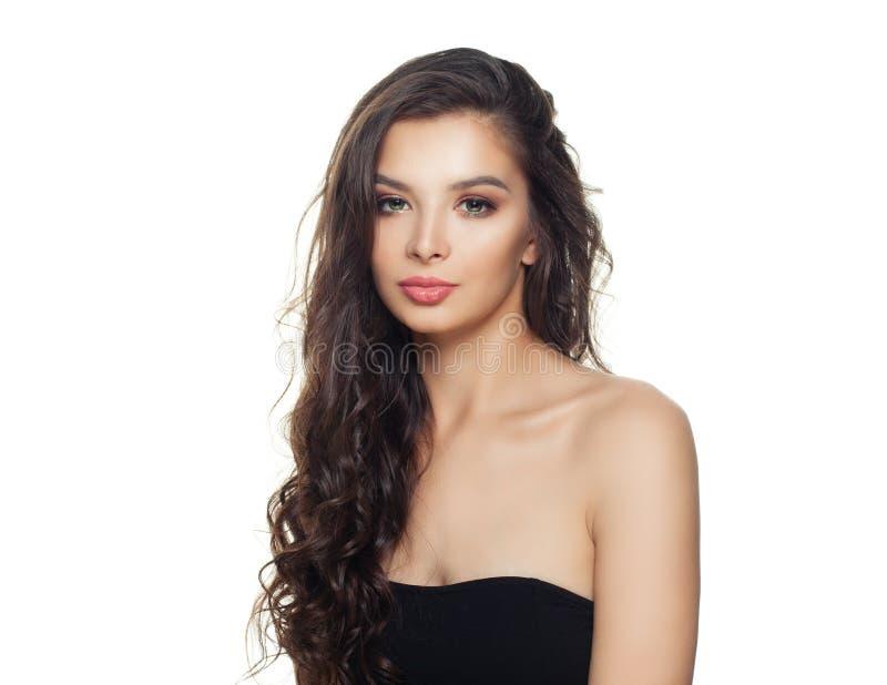 Portrait de la belle femme modèle d'isolement sur le fond blanc photo stock