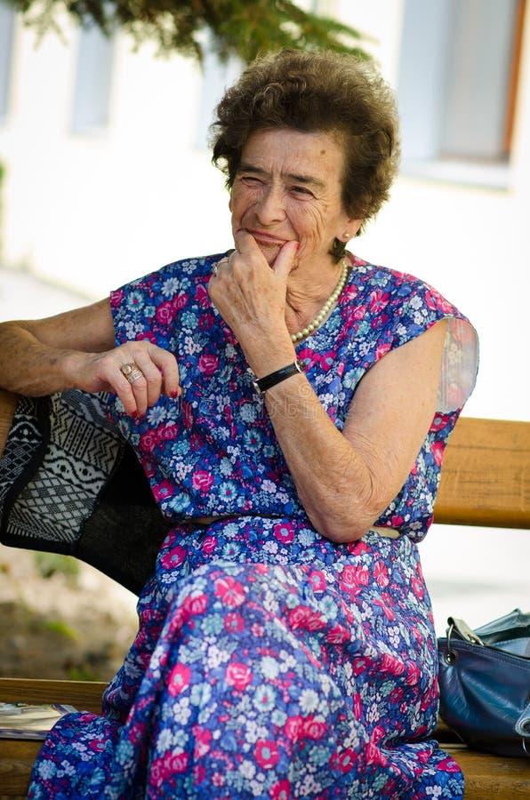 Portrait de la femme agée photo stock