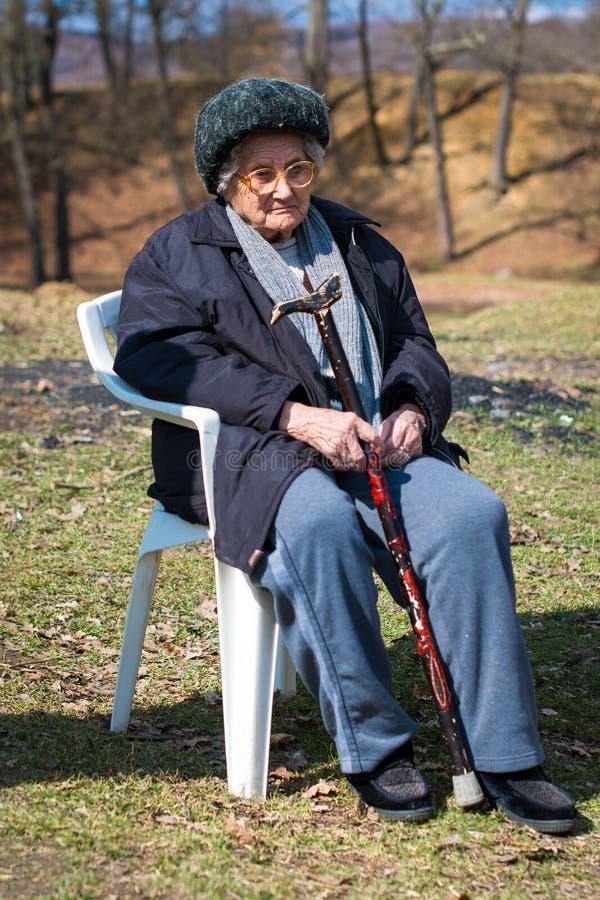 Portrait de la femme agée photographie stock
