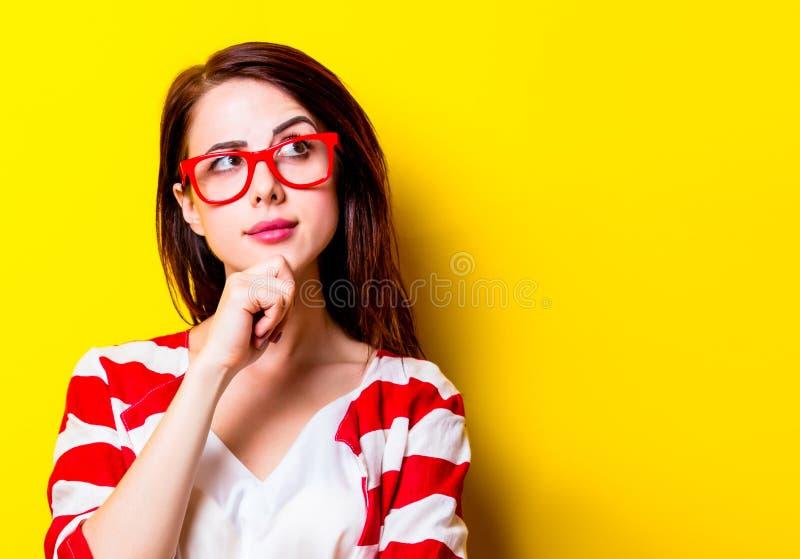 Portrait de la jeune femme photographie stock