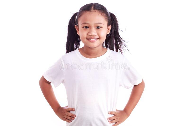 Portrait de la jeune fille asiatique d'isolement sur le blanc images stock