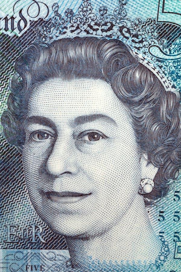 Portrait de la Reine Elizabeth II de cinq livres image libre de droits