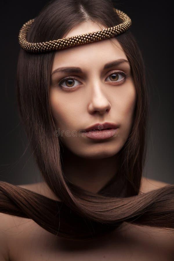 Portrait de mode de femme de brenette image libre de droits