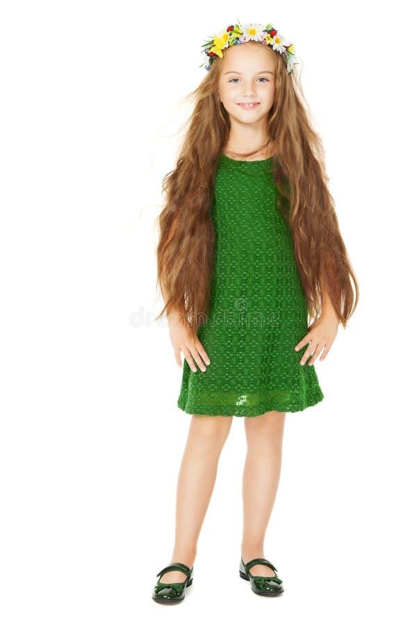 Portrait de petite fille, enfant avec la fleur dans de longs cheveux photographie stock