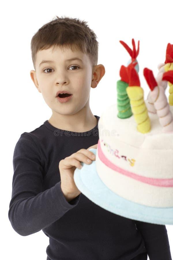 Portrait de peu de garçon d'anniversaire images libres de droits