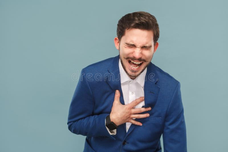 Portrait de plan rapproché d'homme de rire photographie stock libre de droits