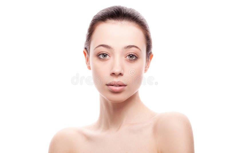 Portrait de plan rapproché de jeune femme avec la peau fraîche propre photos libres de droits