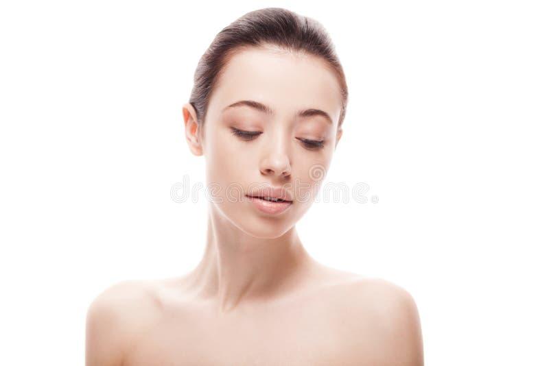 Portrait de plan rapproché de jeune femme avec la peau fraîche propre image stock