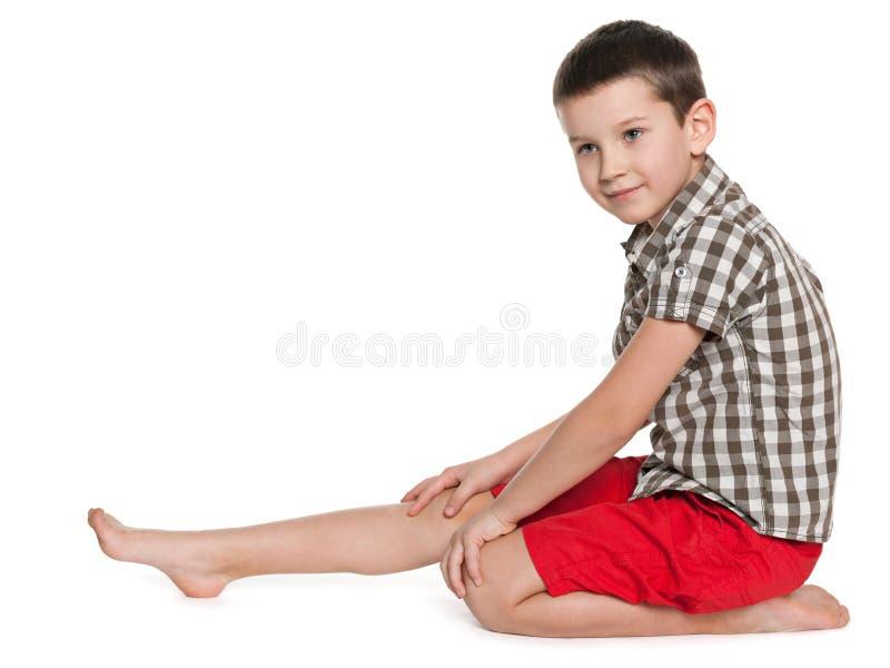 Portrait de profil d'un petit garçon mignon image libre de droits