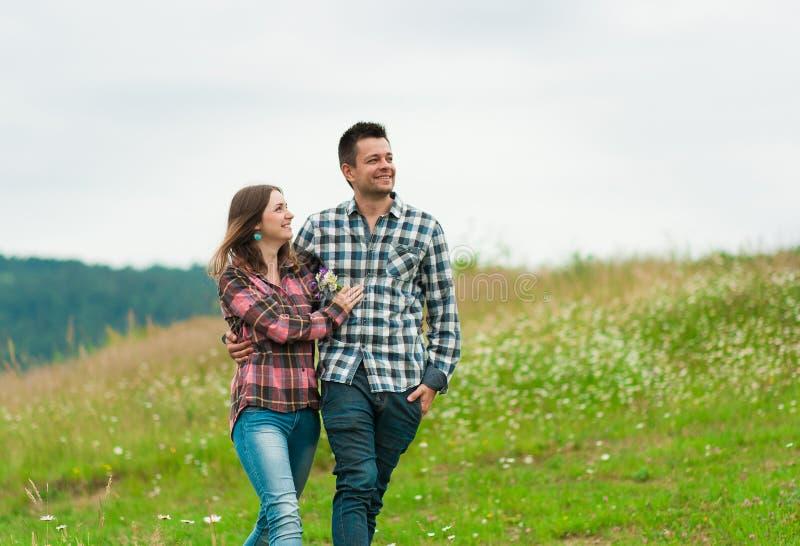 Portrait de rire heureux de couples photos stock