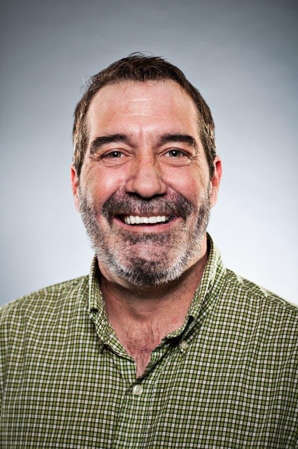 Portrait de sourire d'homme caucasien mûr image stock