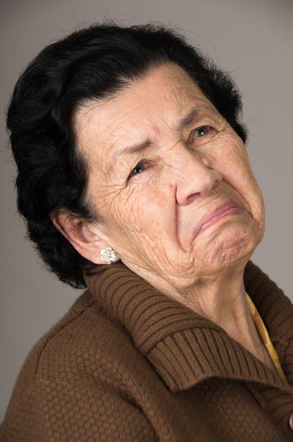 Portrait de vieille grand-mère excentrique de femme photo libre de droits