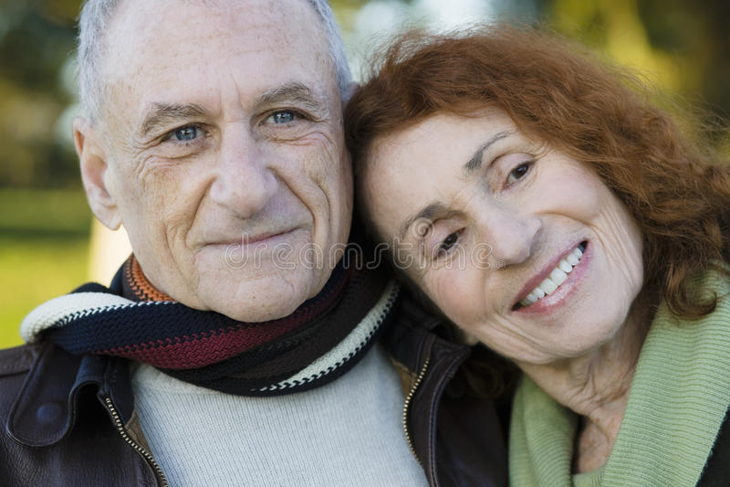 Portrait der älteren Paare lizenzfreie stockfotografie
