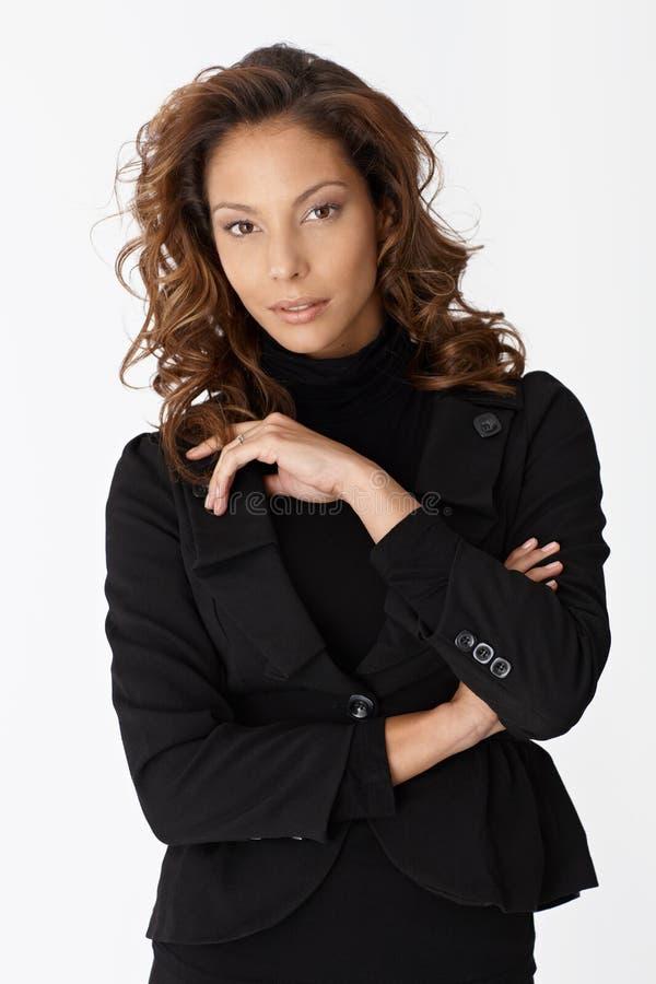 Portrait der afroen-amerikanisch Geschäftsfrau stockfotografie