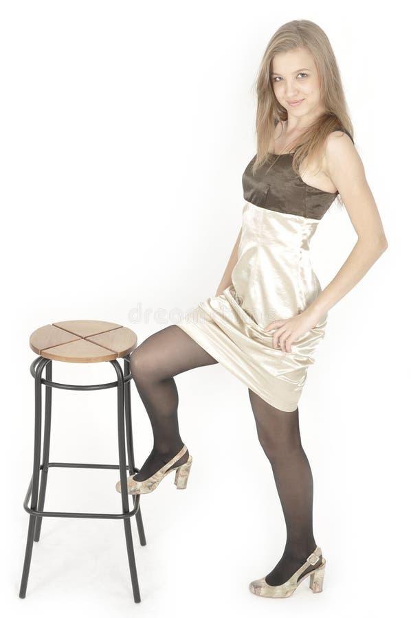 Portrait der attraktiven jungen Frau lizenzfreie stockfotografie