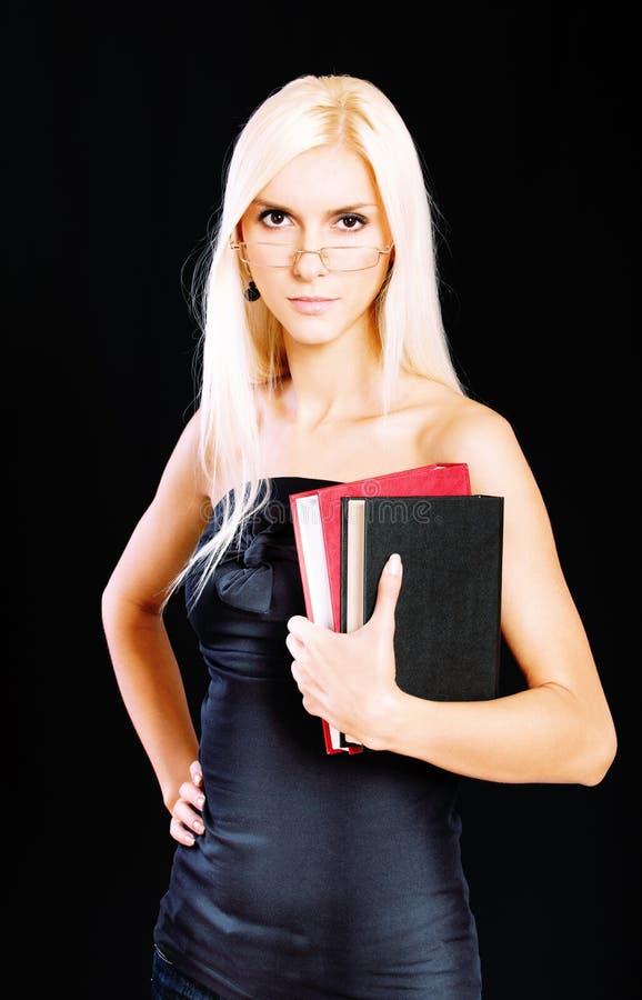 Portrait der fair-haired jungen Frau lizenzfreies stockbild