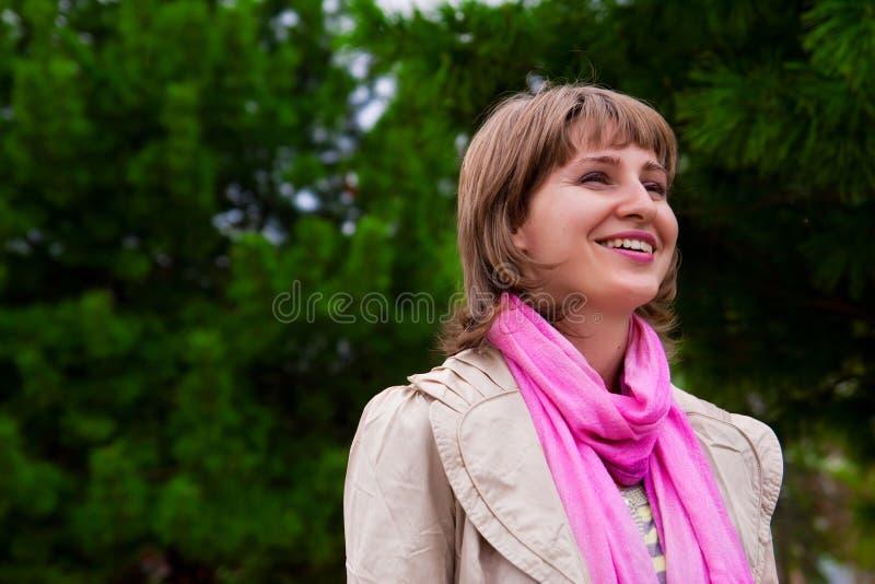 Portrait in der Fichte lizenzfreie stockfotografie