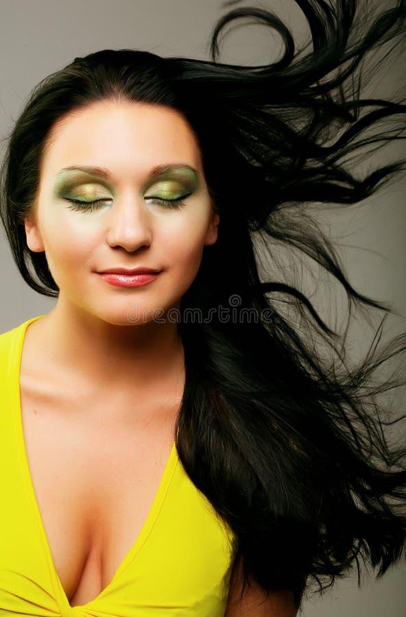 Portrait der frischen und schönen Frau lizenzfreie stockfotografie