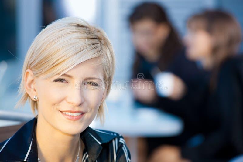Portrait der Geschäftsfrau lizenzfreie stockfotos