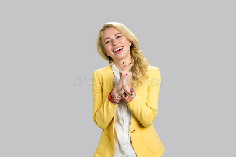Portrait der glücklichen jungen Geschäftsfrau stockbilder