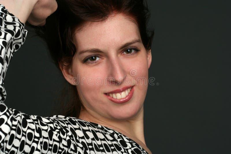 Portrait der jungen Brunettefrau lizenzfreie stockbilder
