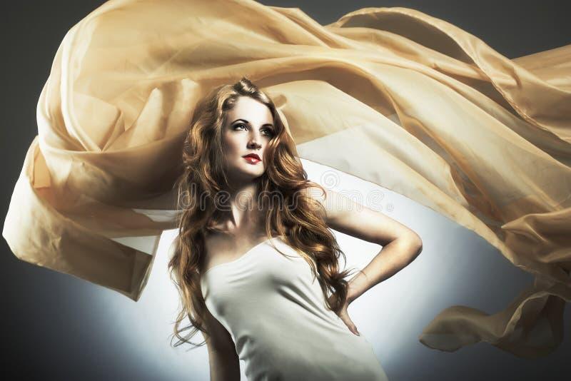 Portrait der jungen sexuellen Frau stockbild