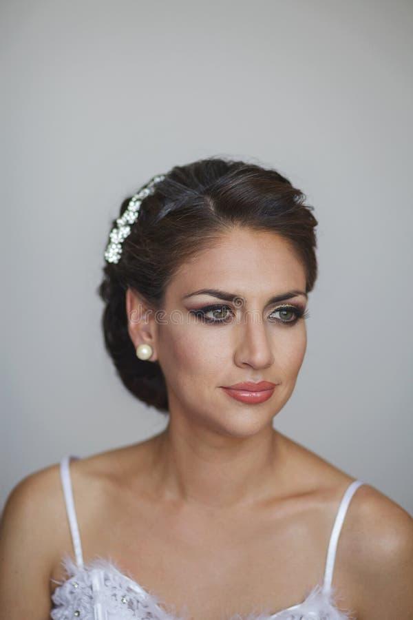 Portrait der schönen Braut stockfotografie