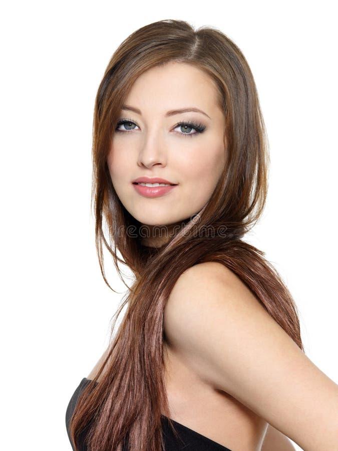 Portrait der schönen Frau mit dem langen Haar lizenzfreie stockbilder
