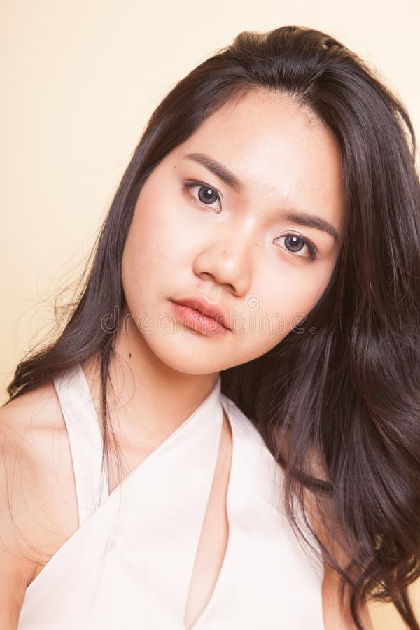 Portrait der schönen jungen asiatischen Frau lizenzfreie stockbilder