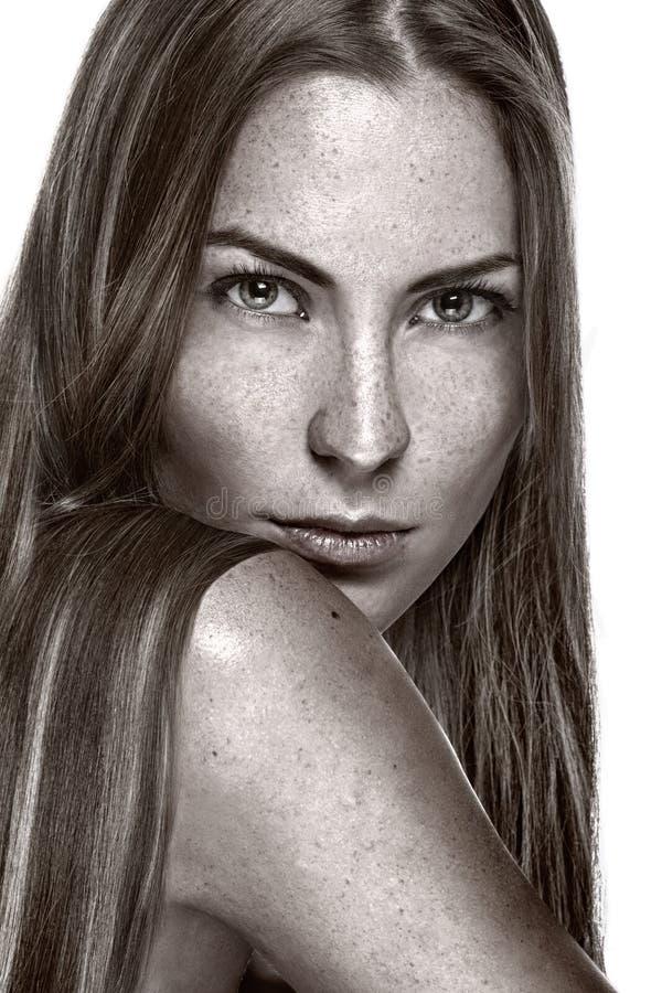 Download Portrait Der Schönen Sinnlichen Frau Mit Freckles Stockbild - Bild von enjoy, cutie: 26365431