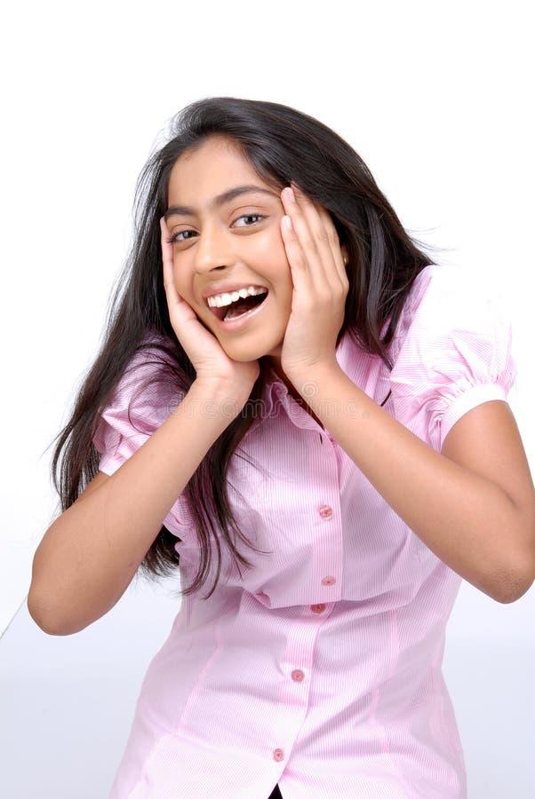 Portrait des überraschten indischen Mädchens lizenzfreies stockfoto